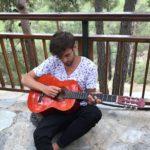 Czy warto iść na studia, czy lepiej grać na gitarze? To wszystko zależy